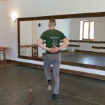 Vasi eszközös tánc: Gencsi seprűs tánc